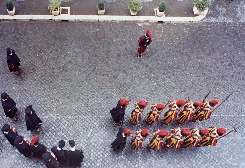 Vaticano, Caserma della Guardia Svizzera Pontifica, 1990